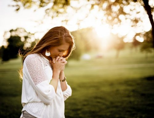 10 Prayers for a Friend Who Lost a Pregnancy or Child